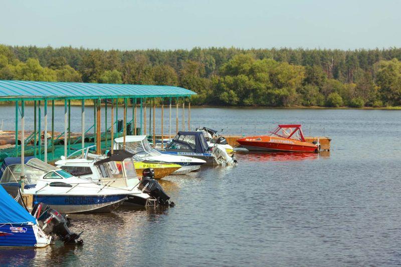 стоянки ради лодок во  москве
